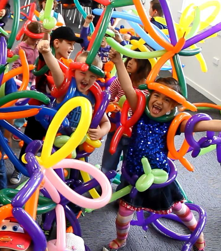 happy children at the Wow Factory balloon twisting parties in Sandton, Randburg and surrounding areas in Gauteng